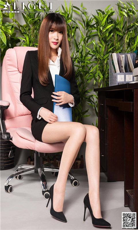 办公室OL女郎丝袜长腿诱惑壁纸
